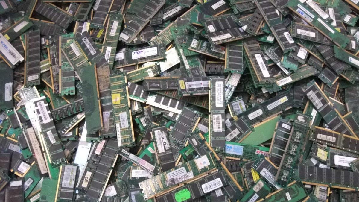 resíduos eletrônicos